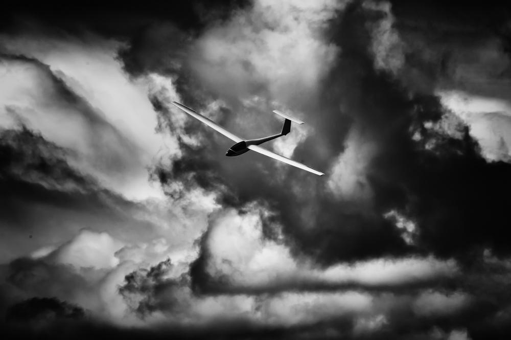 Glider noir with 0SS by J Bradley