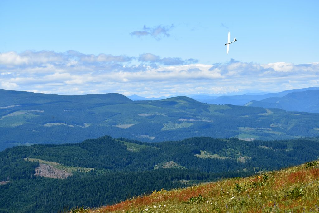 2MB over the Hood River Valley by S Mack